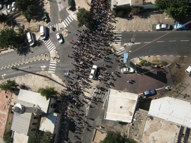 Grassroots Mapping, Shai Efrati & Hagit Keysar, 'balloon-mapped' protest in Jerusalem