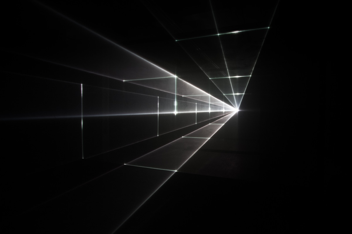 Line In Visual Art : Vanishing point uva redraws perspective with light
