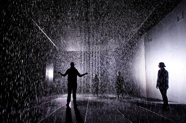 1097-2748-1._rain_room_installation_images___felix_clay._rain_room___random_international_2012._courtesy_of_barbican_art_gallery