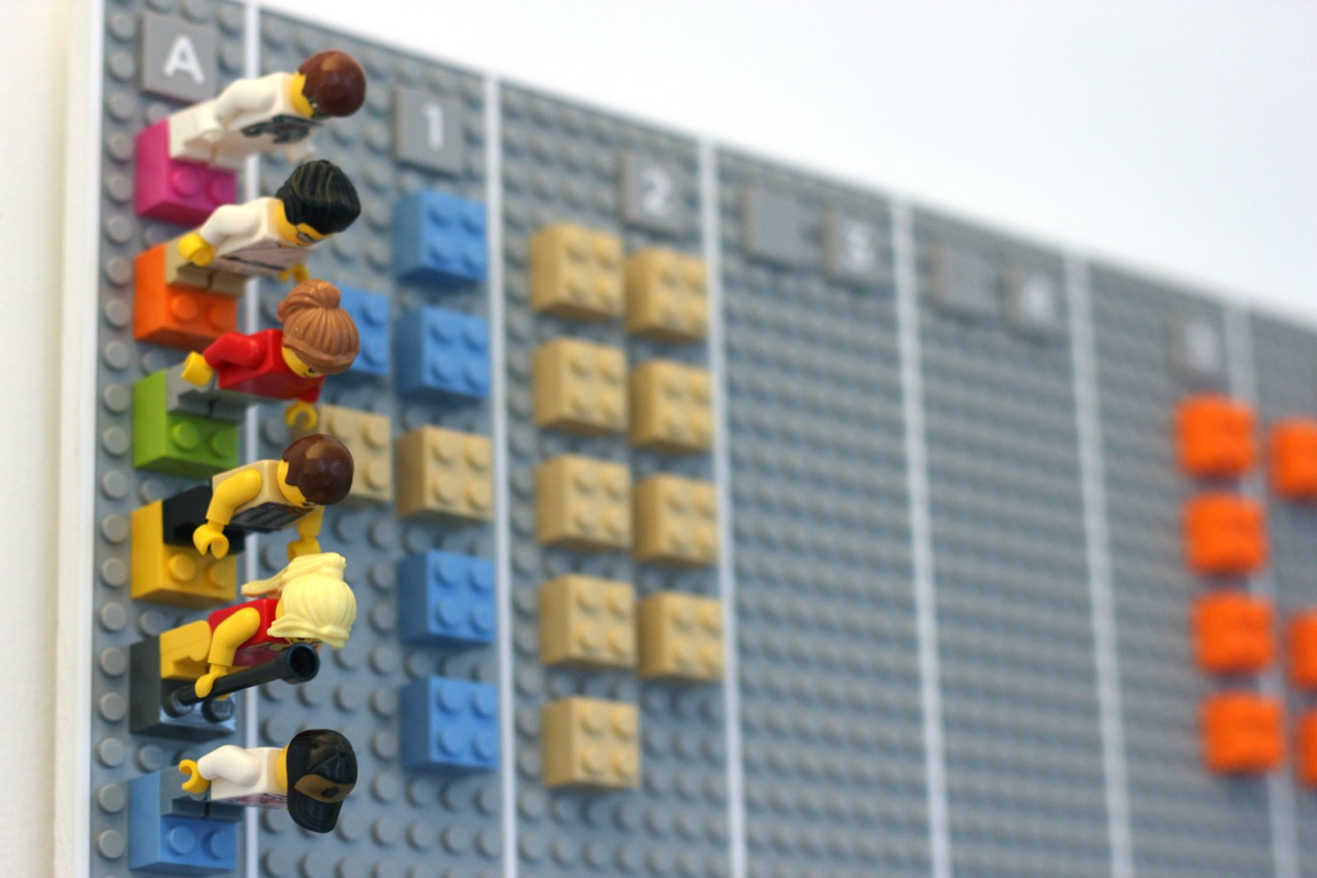 Lego calendar by vitamins design vitaminsdesign syncs for Project planner hd