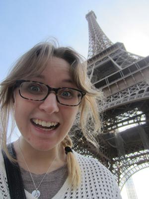 eiffel-tower-selfie
