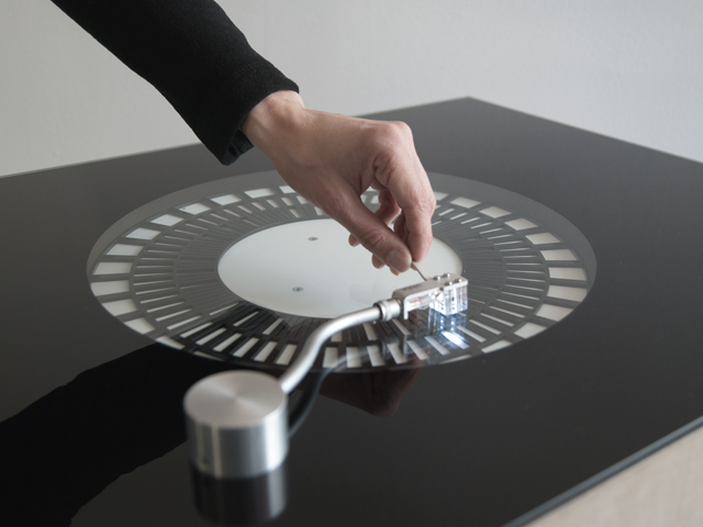 Soundmachines – A custom-built instrument for performing