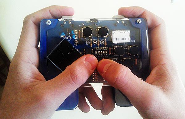 Arduino based handheld bluetooth game controller