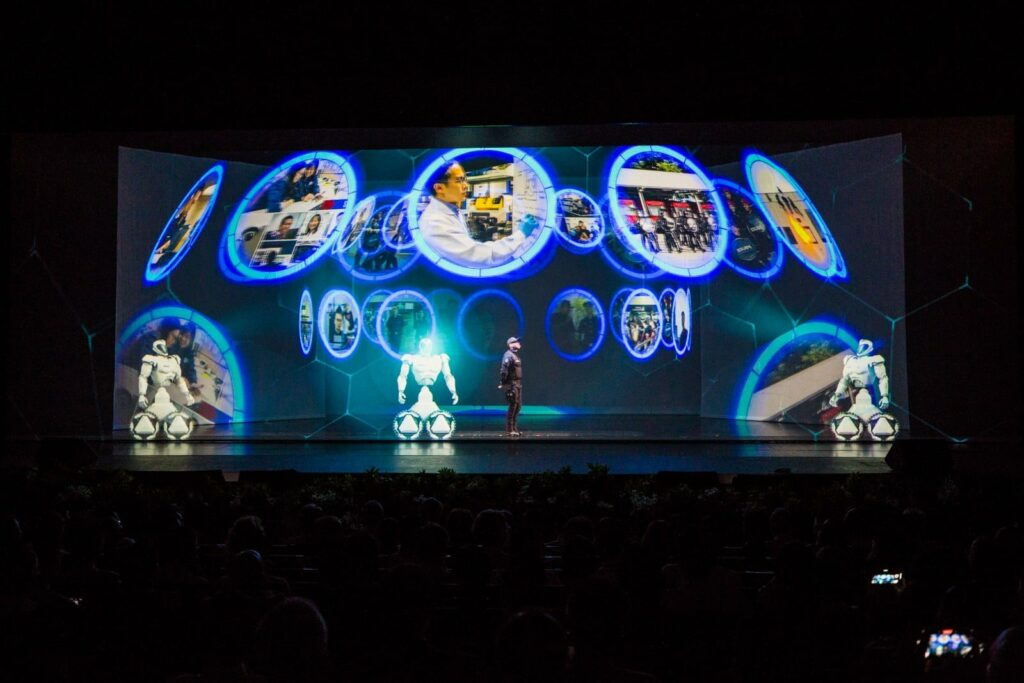 Holographic Opening Performance for the Launch of HTX ( Singapore )
